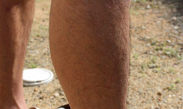 男性の足のすね毛